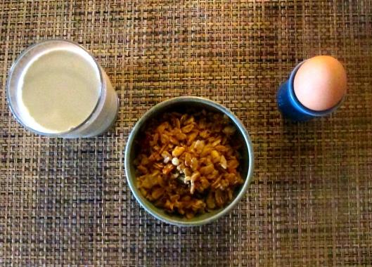 Fall_breakfast_granola_pumpkin_seed_milk